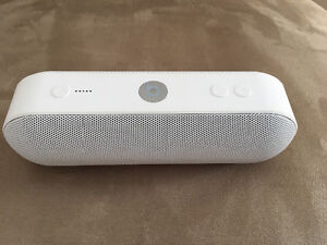Selling white beats pill+