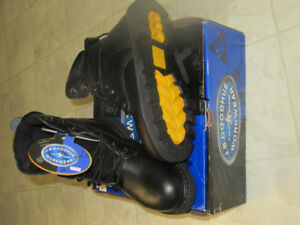 BRAND NEW J.B. GOODHUE WORK BOOTS