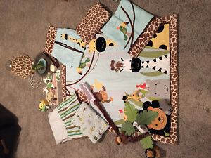 Lambs & Ivy Peek-a-boo Jungle Nursery Set