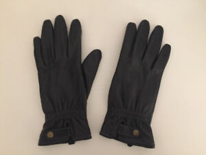 Women's Black Leather Lined Gloves - Roots (Small) NEVER WORN