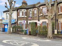 2 bedroom flat in Bush Road, Deptford SE8