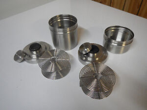 2 developing tanks for 35mm film $45 chaque/each