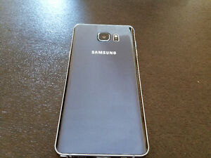 Samsung Galaxy Note 5 (32 GB) with Wireless Charger and Case