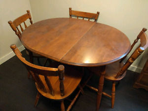 Small Kitchen table and 4 chairs