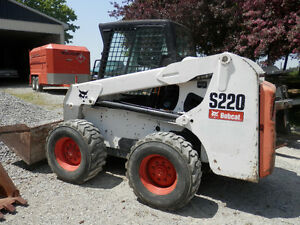 Bobcat S220 Skidsteer Loader with Forks