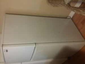Appartment size fridge Cornwall Ontario image 3