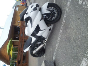 ZX14 LOW IS MINT. CUSTOM RIMS/SWING ARM
