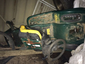 FOR PARTS  riding lawnmower