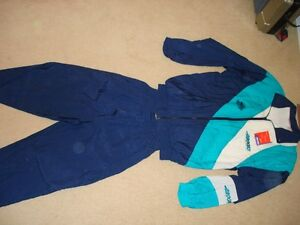 Women's Brooks Jogging-Rain Suit (Still new with tags on)