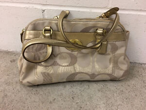 Coach handbag for sale - $35 (Burnaby)