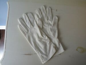 Vintage White Glove with pearl beads
