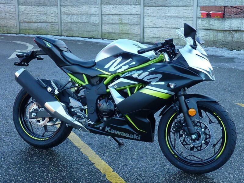 Kawasaki Ninja 125 Se Blacksilver 2019 Model In Orrell