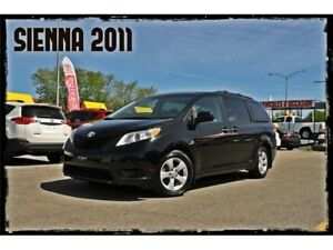 2011 Toyota Sienna LE,MAGS