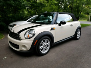 Mini Cooper convertible 2012 bas millage
