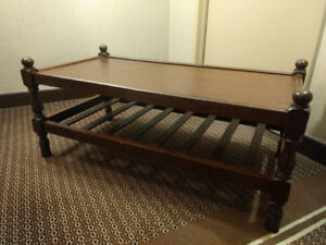 Beautiful real solid wood Coffee Table 42*21*17