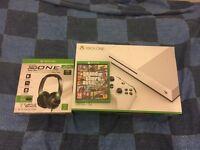 Xbox one (slim)