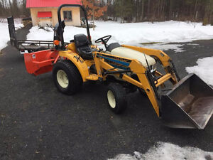 Cub Cadet 7195 HST 4X4 Tractor Package