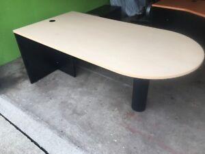 Computer Desk (drop off included)