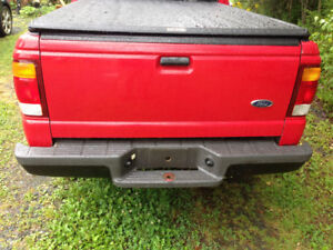 Step side ranger tonneau cover