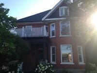 Updated Classic Main Floor 3 Bedroom home -$1025