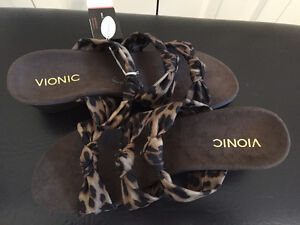 Ladies Vionic with Orthaheel Technology Sandals - $60 (Leduc)