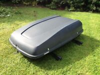 Halfords roof box including Thule bars
