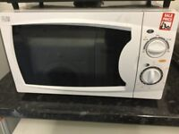 700w small white Microwave