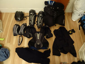 Adult Ice Hockey Equipment with Bag