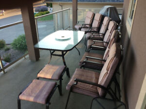 Patio set with 6 chairs and 2 stools