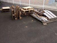 Free scrap Pallets and scrap wood