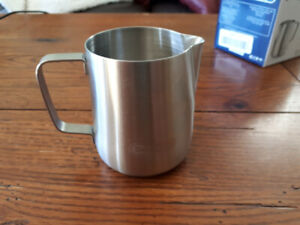 Delonghi stainless steel milk frothing jug