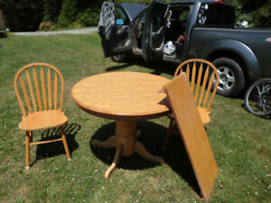 Kitchen table / 4chairs/leaf