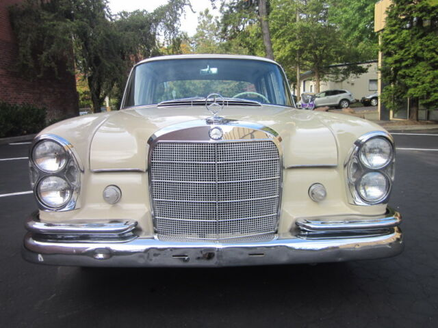 1964 Mercedes-Benz 200-Series  For Sale