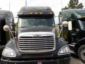 EXCELLENT CONDITION 2006 FREIGHTLINER COLUMBIA FOR SALE..!!!