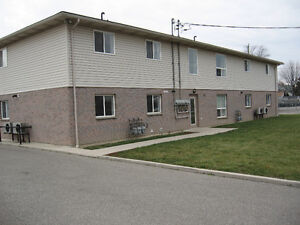 Skip the other Ads...This 2 Bedroom Apartment is MUST SEE! Nov 1