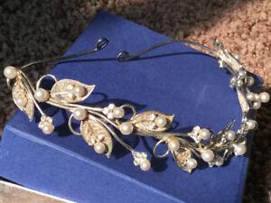 silver & pearl TIARA