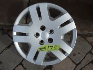 DODGE CALIBER 17 inch WHEEL COVER, EXCELLENT CONDITION.