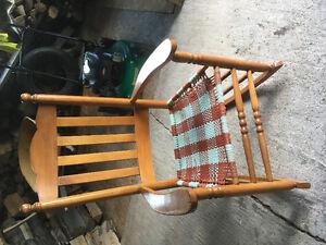 Chaise berçante en bois - érable
