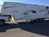 38.5' Canadian sport toy hauler great condition!!