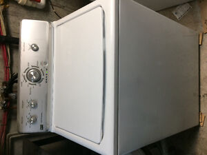 Laveuse Maytag sécheuse frontal GE