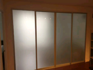 Interior glass partition system