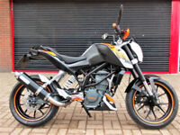KTM DUKE 125 ABS 2015 ONE OWNER FDSH NEW MOT NICE EXTRAS HPI WARRANTY FINANCE