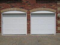 2 portes GARAGA 8' large  X 7' Haut en parfaite condition