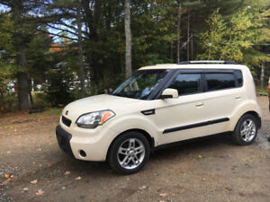 2010 Kia Soul like new with NEW MVI for $5000