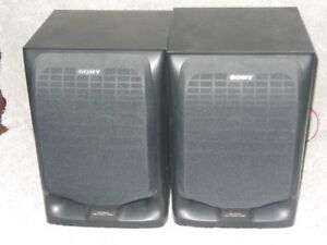 Sony Speakers - Excellent bookshelf or for surround sound