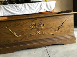 Solid Oak Trunk Blanket Chest with Locking Lid Cedar Lined