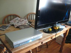 DVD PLAYER PANISONIC AND VHS PLAYER Cambridge Kitchener Area image 3