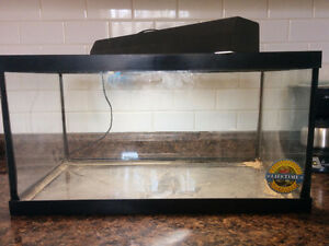 "15 Gallon Reptile Tank With 18"" Light"