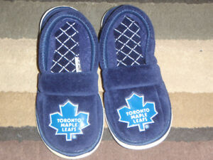 NHL Maple Leafs Slippers  **BRAND NEW**