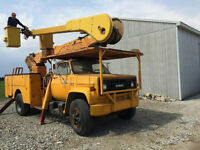 1981 GMC TC7 Double Bucket Truck